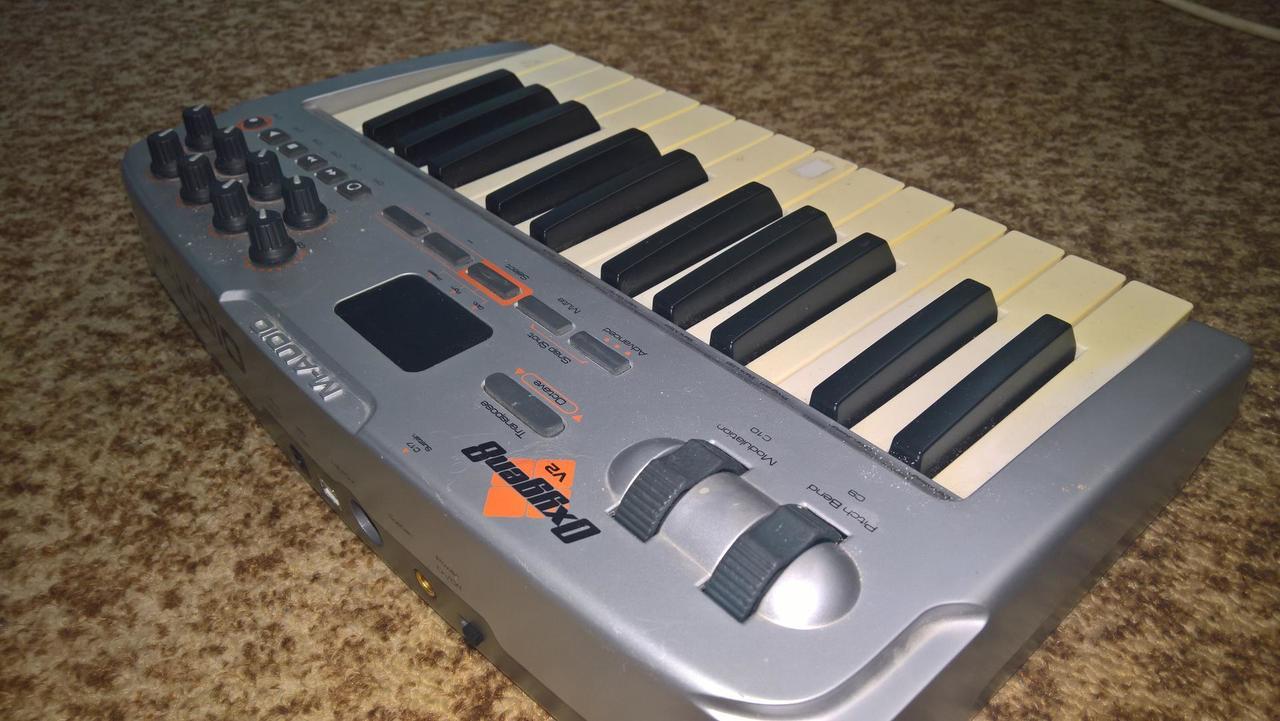 m audio oxygen 8 v2 manual