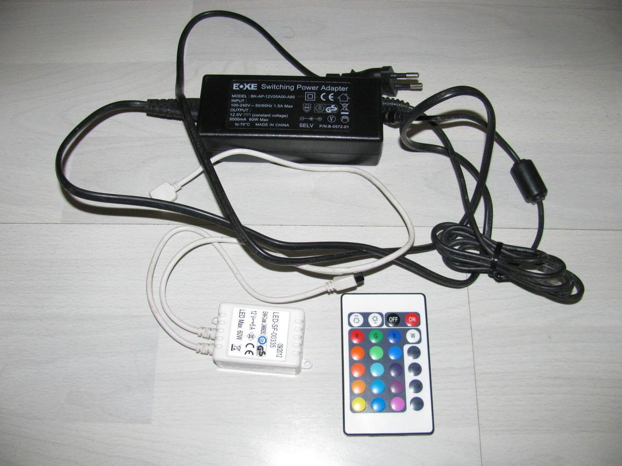 Dĺžka šnúry 60 cm. Konektor. LED pás na 220V typu 5050 vodeodolný, RGB farebný, 60 LED/m, · LED pás na 220V t Kompletná sada s týmito komponentami : - RGB pásik umožňujúci zmenu.