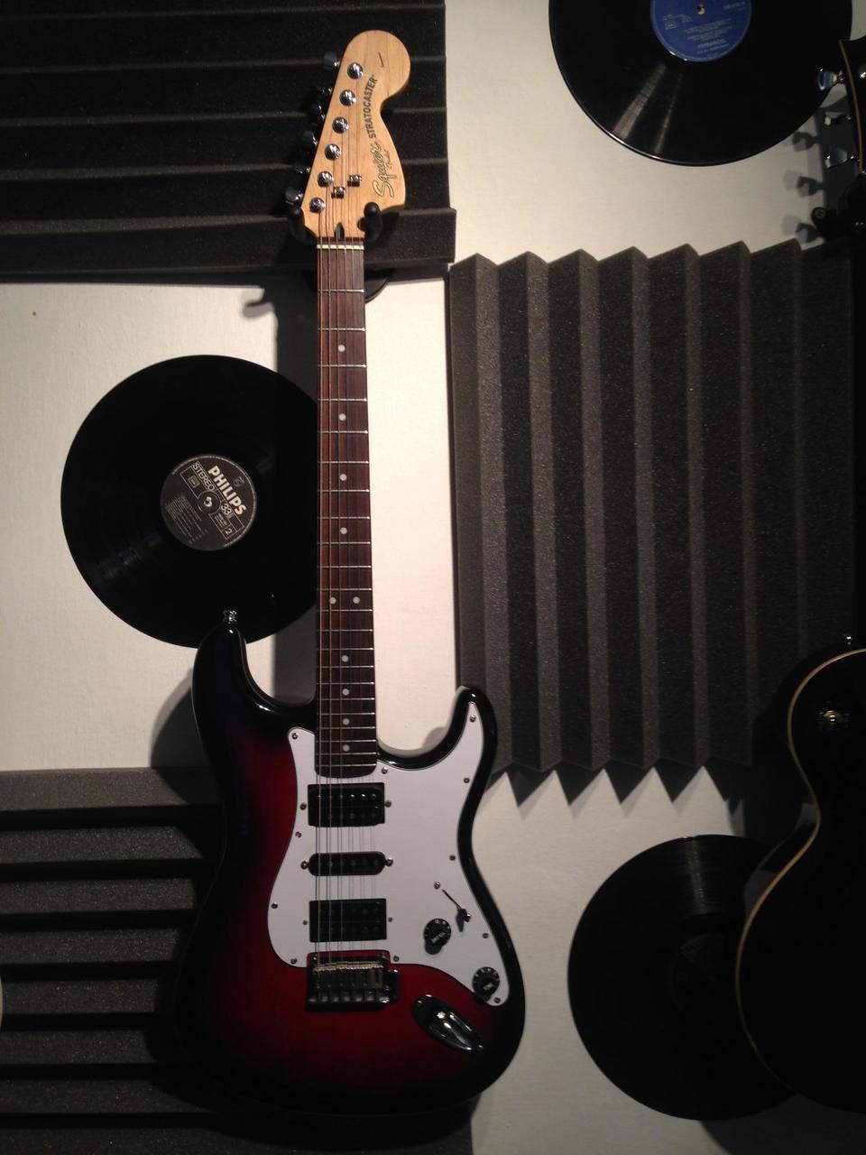 Fender Squier Standard Stratocaster