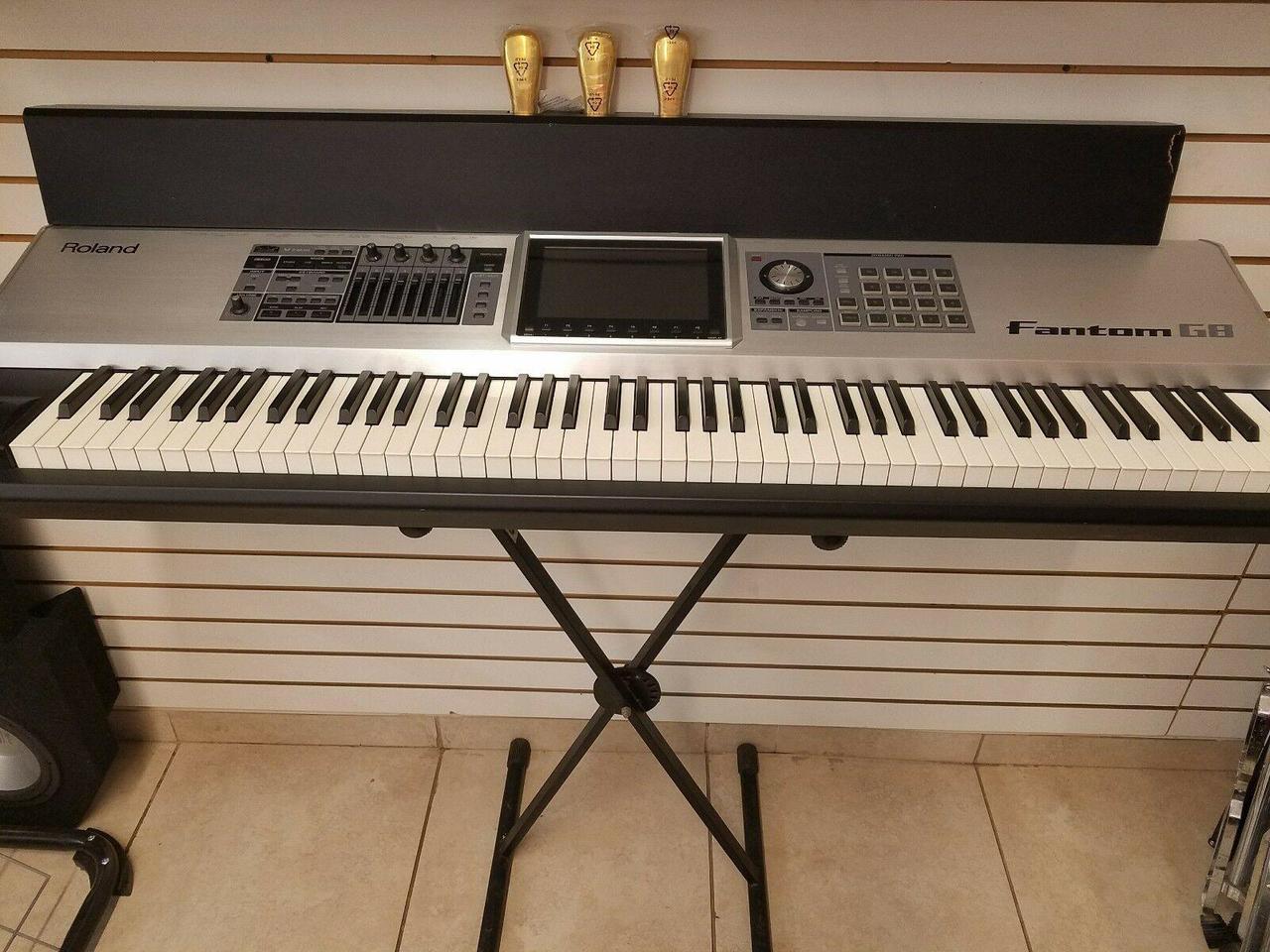 roland fantom g8 88 key keyboard synthesizer workstation. Black Bedroom Furniture Sets. Home Design Ideas